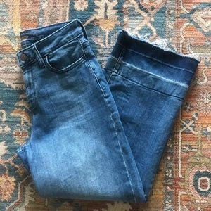 Wide Legged Cropped Jeans